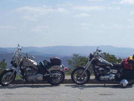 two happy bikes