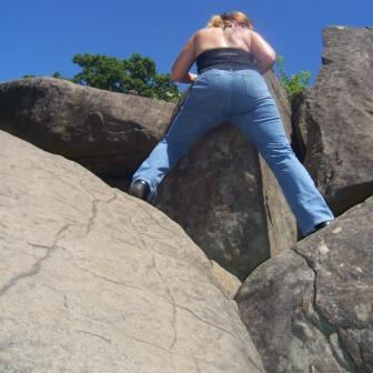 diana climbing rocks at devils den