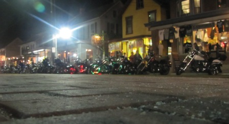steinwehr ave bike week at night