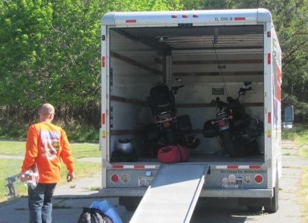 jay and the Arizona pink squid u-haul truck